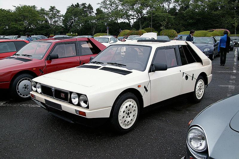 800px-Lancia_Delta_S4_Stradale.jpg