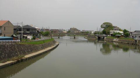 綾瀬川と蒲生大橋