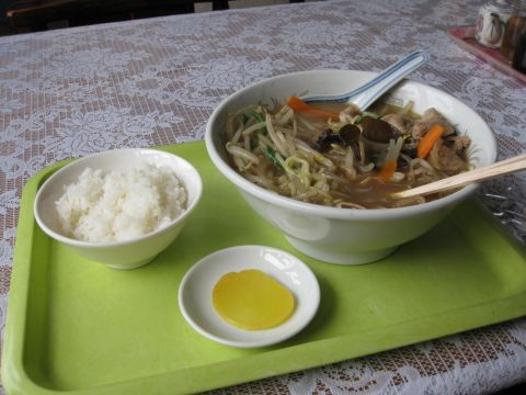 中華料理 宝楽にて
