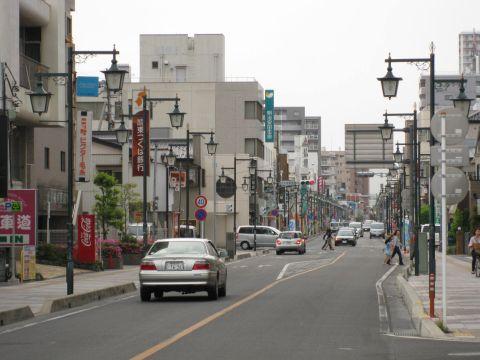 粕壁宿・文化会館前交差点付近
