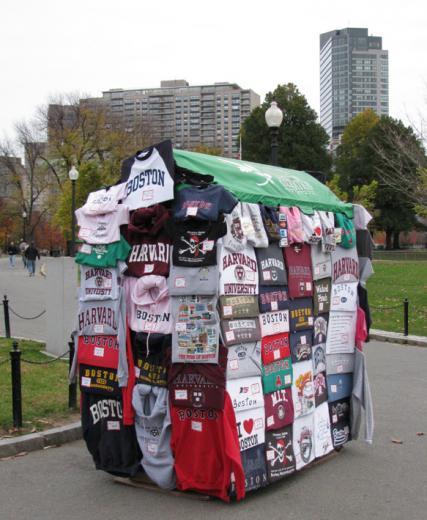 Tshirts_stand_Bcommon01.jpg