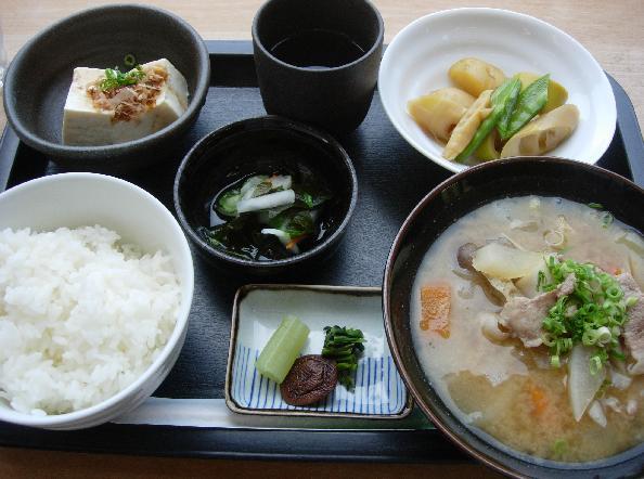 DSCN5201豚汁定食