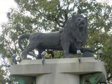 ライオン像1