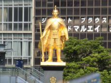 1-6黄金の信長像