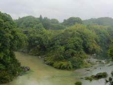 牛淵橋から見た長篠城