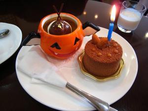 「誕生日ケーキ」、琢代叔母・2009.10.22・79歳、「白バラ神辺店のケーキ」、1