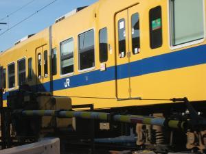 「踏切を通過する電車」・福塩線、2、