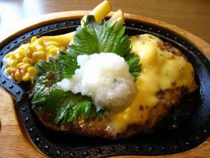 びっくりドンキー・倉敷店「チーズ・ハンバーグ、大根おろしトッピング」、
