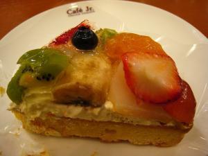 イタリアン・トマト、カフェ・ジュニア、「フルーツのカスタードケーキ」、フジグラン神辺店