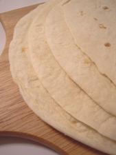 トルティーヤでうす焼きピザが簡単にできる♪