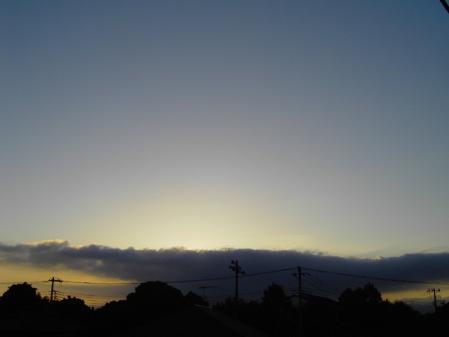 朝日見えない