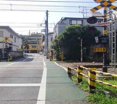 tky yoyogi hachiman fumikiri shinjuku dis 20100621_R