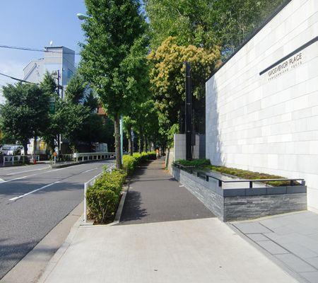 tky yoyogi near olympic center 20100621_R