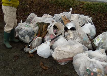 DSCN1201_20120311_河川清掃ゴミS