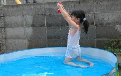 かえちゃんのプール遊び その1