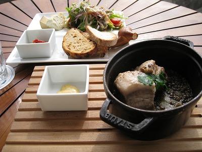 塩豚とレンズ豆の煮込みランチ