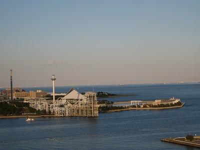 八景島の向かいです。