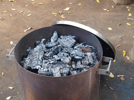 022 炭