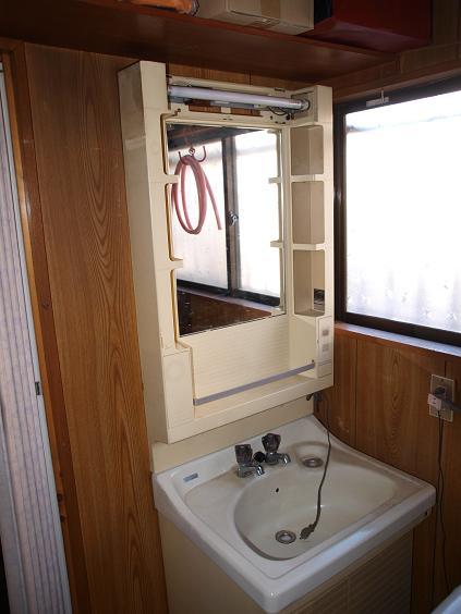 004 洗面台