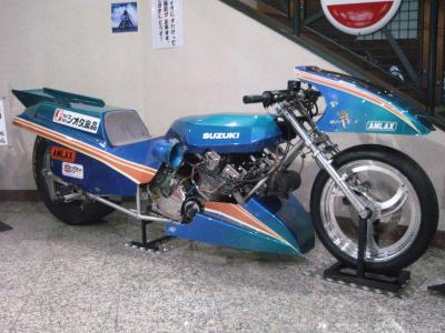 SUZUKI+DRAG+RACER_convert_20091004230328.jpg