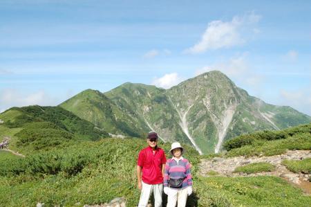 22奥大日岳を背に