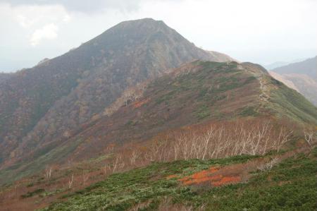 小朝日岳への下山31