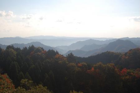 篭岩山からの明山14