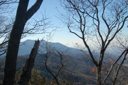 35足尾山頂からの筑波山