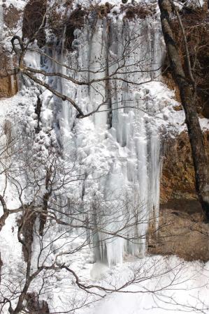 7洞門岩の氷壁
