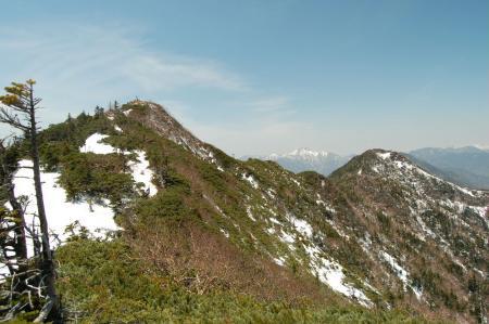 39女峰山から帝釈山の尾根