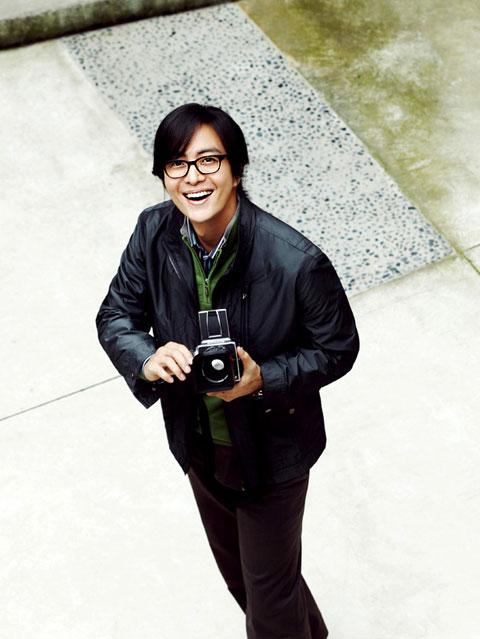 1251449012-Bae-Yong-Joon-10.jpg