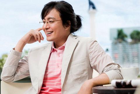 1251449012-Bae-Yong-Joon-13.jpg