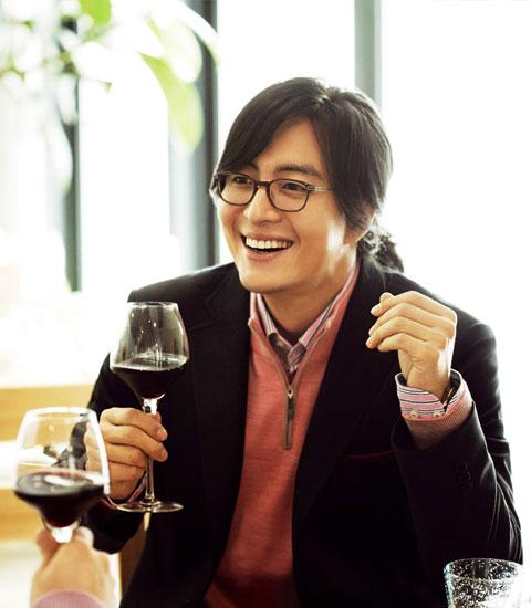 1251449012-Bae-Yong-Joon-9.jpg