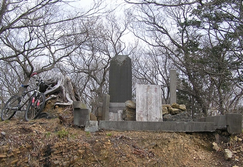 大綱塩坂越床-鳩峰山神社