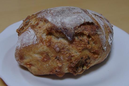 ブーランジュリ-バジルとチーズ