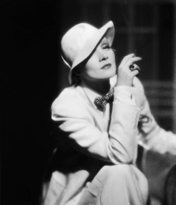 Marlene-Dietrich-4_convert_20120122195639.jpg