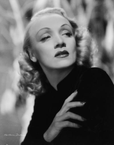 Marlene-Dietrich2_convert_20120122191642.jpg