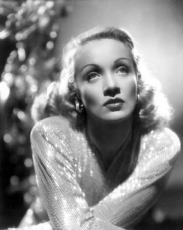 Marlene-Dietrich5_convert_20120122192630.jpg