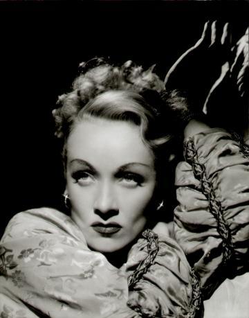 Marlene-Dietrich9_convert_20120122192404.jpg