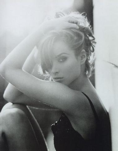 christy-turlington-14_convert_20120923160609.jpg