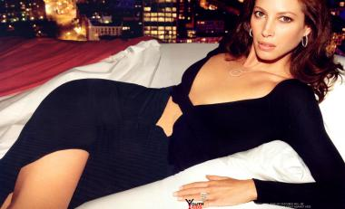 christy-turlington-7_convert_20120923154453.jpg