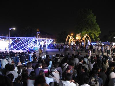 開国博Y150閉幕