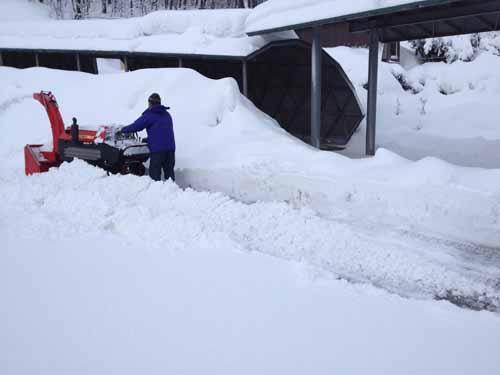 急げ駐車場除雪