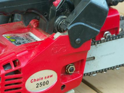 ChainSaw2500-05