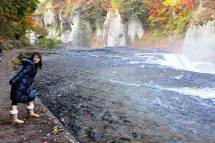 吹き割れの滝5