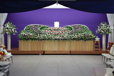 バラの祭壇