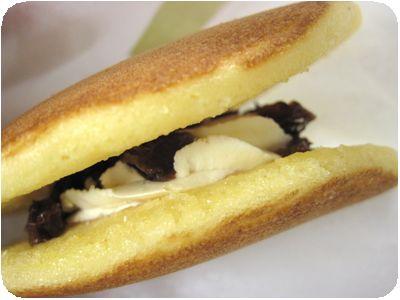 パンケーキサンド(ホイップクリーム&レーズン)