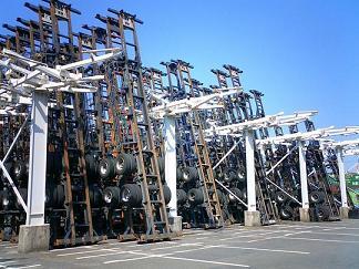 立て掛け式駐車設備@横浜シャーシターミナル協同組合