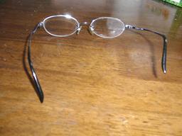 事故後のメガネ