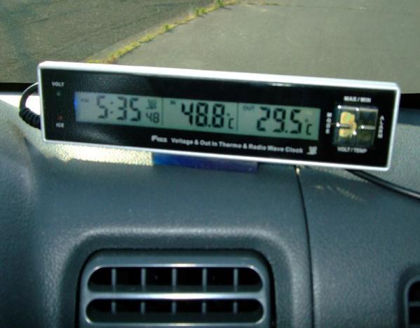 電圧・気温・時計